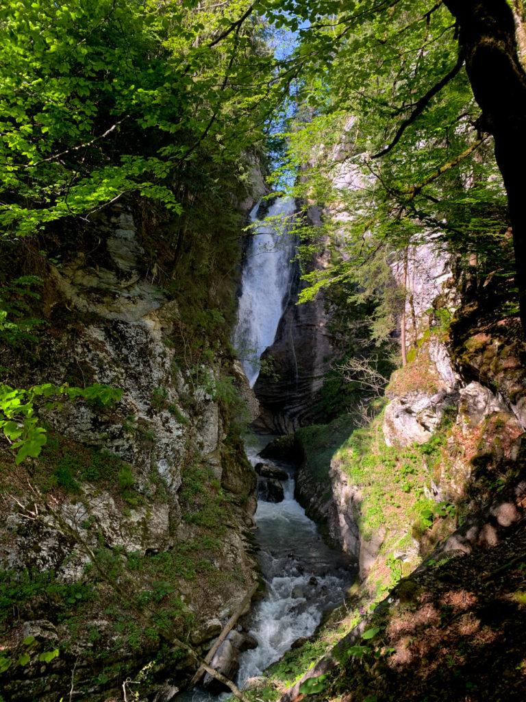 la cascade Mystérieuse au printemps