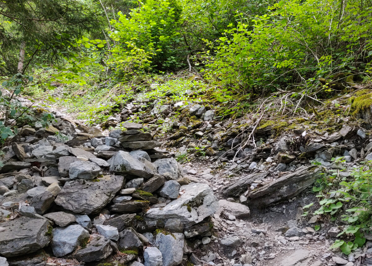 sentier d'approche de la via ferrata Curalla