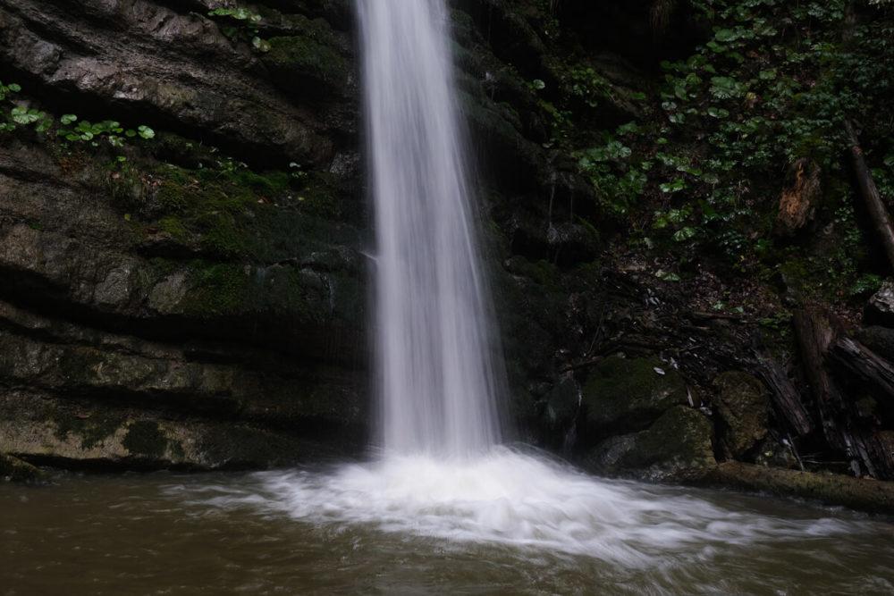 Le bas de la cascade Burgeat à Manigod