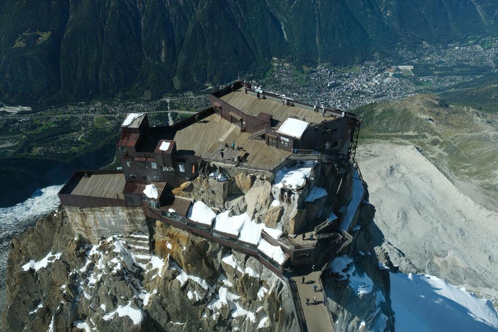 Aiguille du Midi: les terrasses vues du sommet