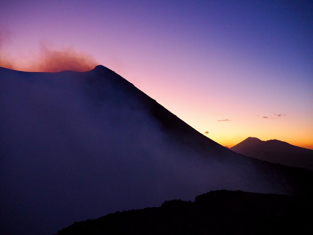 Coucher du soleil sur le volcan Telica