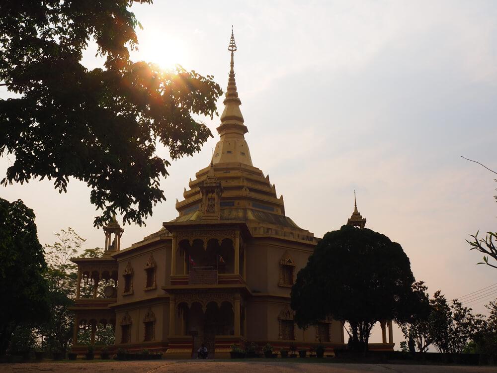 Le temple de Phan Phao - couchers du soleil à Luang Prabang