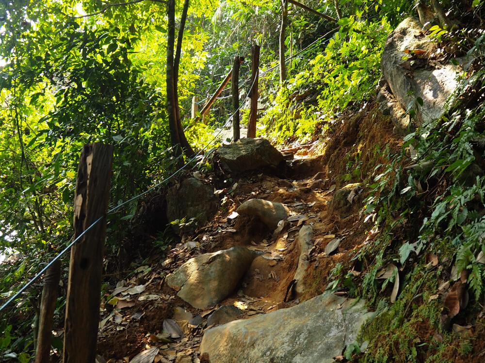 le sentier de Pha Ngern