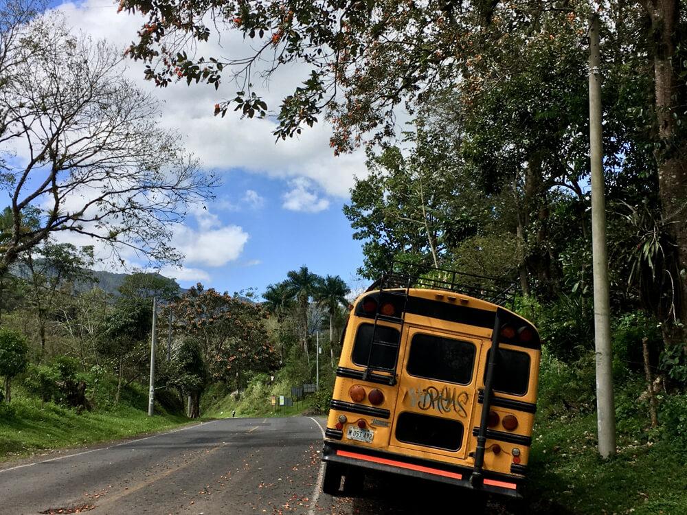 Bus sur la route de Motogalpa menant à la cascada blanca