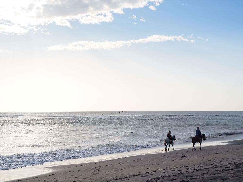 balade à cheval sur la plage de Popoyo, Nicaragua