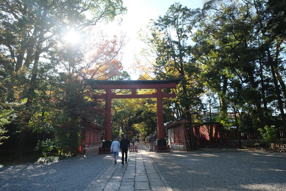 La porte du sancturaire Hikawa-jija à Omiya