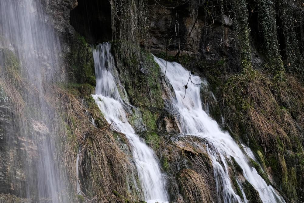 la cascade des grottes du Pic